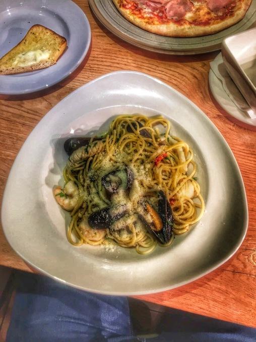 seafood spaghetti italian restaurant